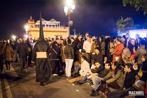 Semana Santa - waiting around